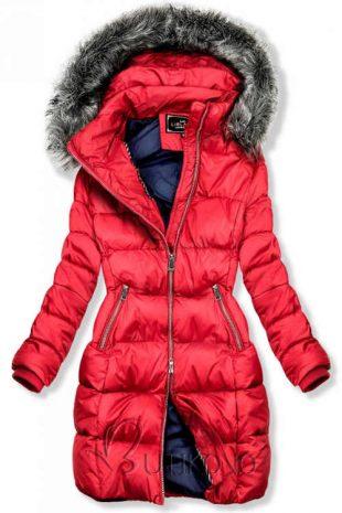 Moderná červená dámska zimná bunda s prešitím