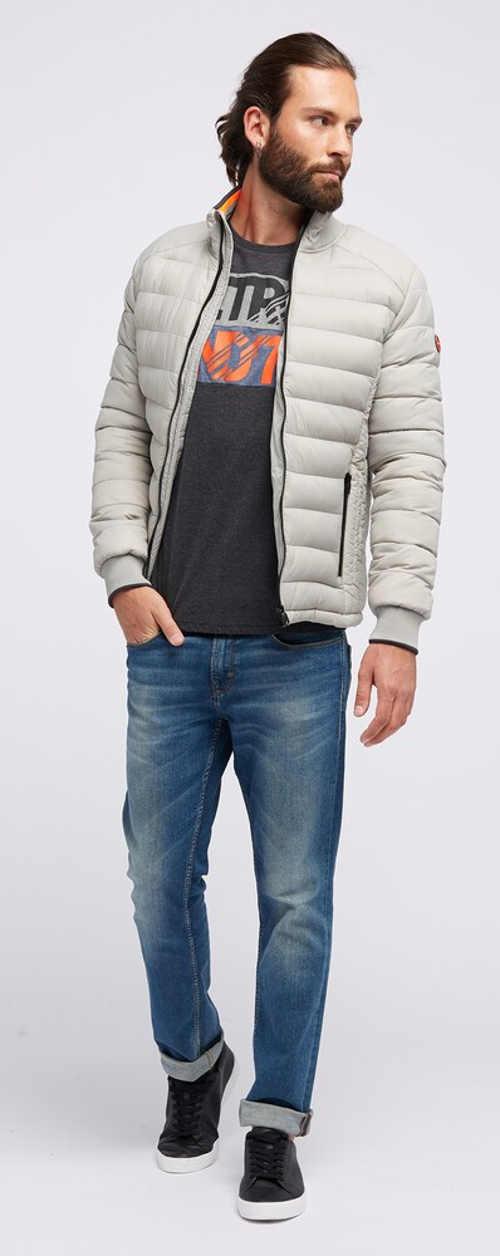 Biela vypasovaná prešívaná pánska zimná bunda