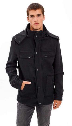 Pánsky kabát z vlnenej zmesi v modernom strihu s kapucňou