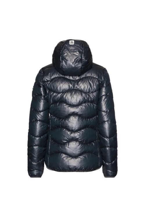 Prešívaná bunda v modernom dizajne
