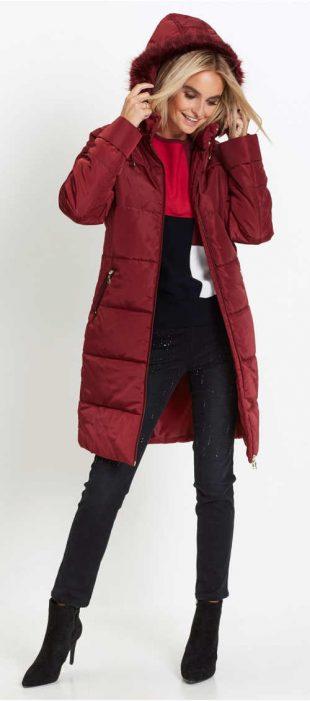 Teplý prešívaný dámsky kabát s umelou kožušinou na kapucni