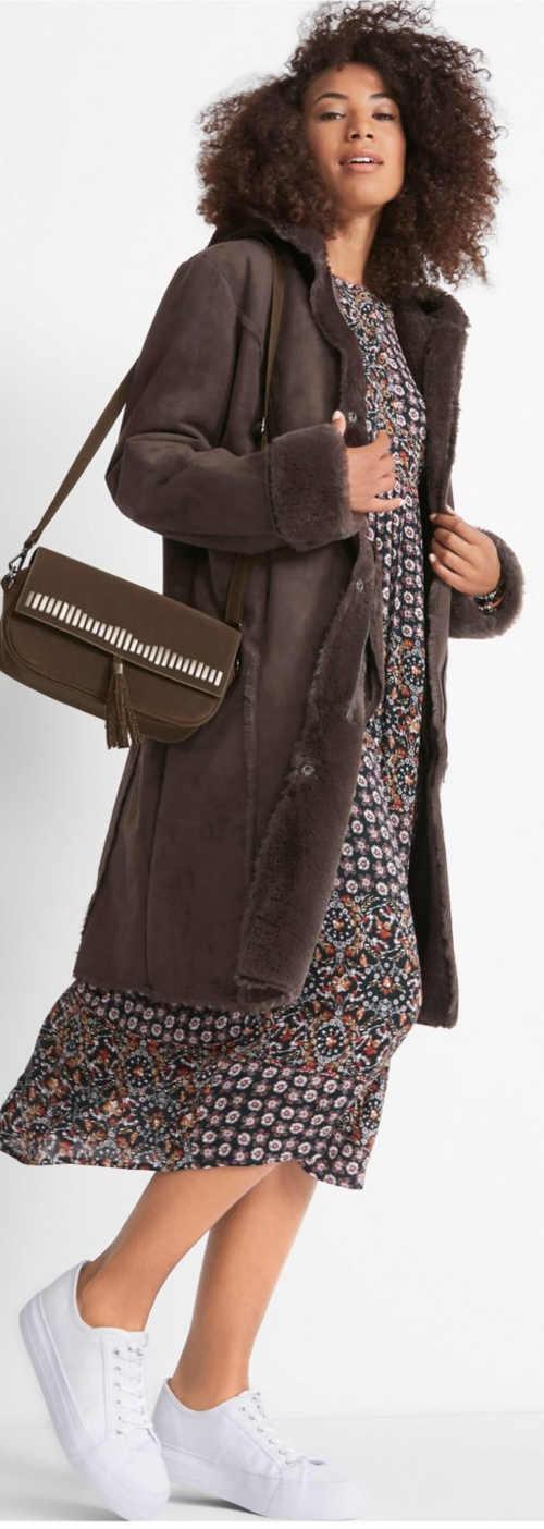 Jesenný dámsky kabát z umelej kože