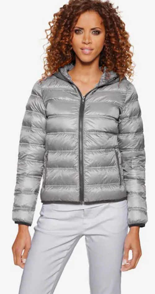 Moderná sivá prešívaná dámska bunda Heine s páperím