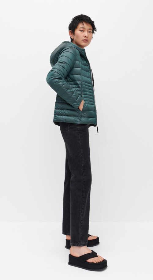 Zimná bunda v tyrkysovej farbe