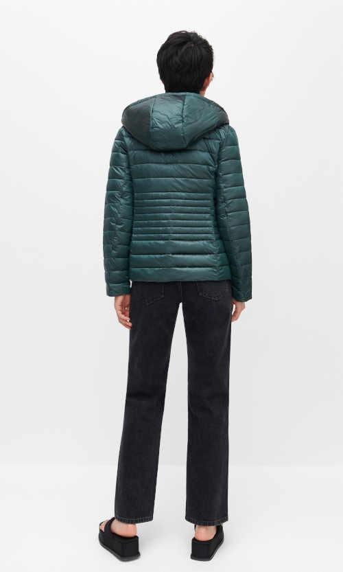 Zimná bunda z recyklovaného materiálu