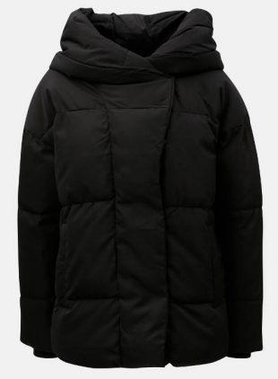 Teplá čierna dámska zimná bunda do hôr