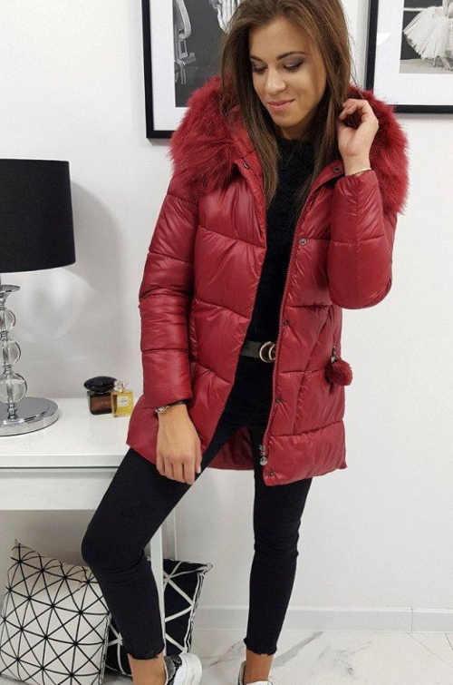 Prešívaná zimná bunda v predĺženej dĺžke s kapucňou